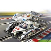Slot car racing (2)